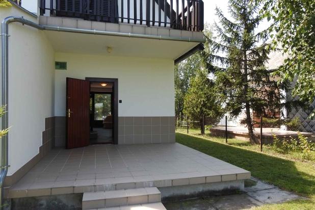 Vízpart közeli nyaraló, a Balaton déli partján eladó